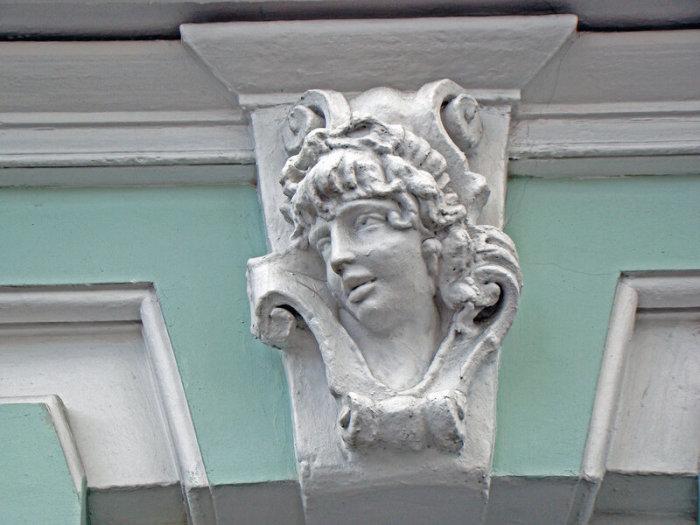 Здание на Проспекте мира, 19. Архитектор Н. Матвеев